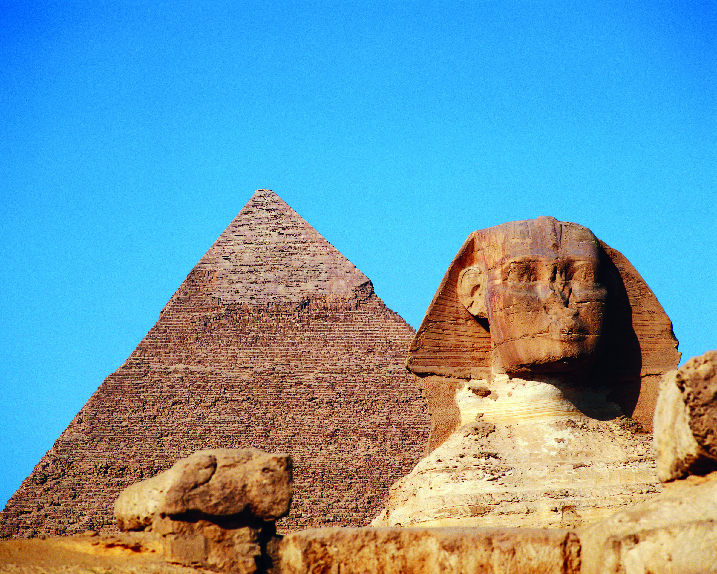 A pyramid and the Sphinx on a bright cloudless day